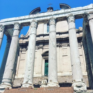 I love a good Roman Temple - Temple of Antoninus and Faustina