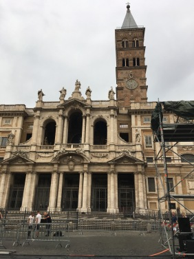 Basilica di Santa Maria Maggiore - another of my favourites. Mr BC and I had to drop the car off, so we had a rare opportunity to take in some sights on our own as we walked back to the apartment.