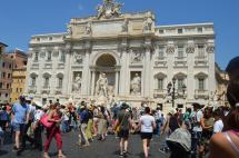 Trevi Approach - so many people!